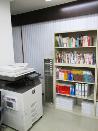 コピー機・教科書-三鷹個別学習会